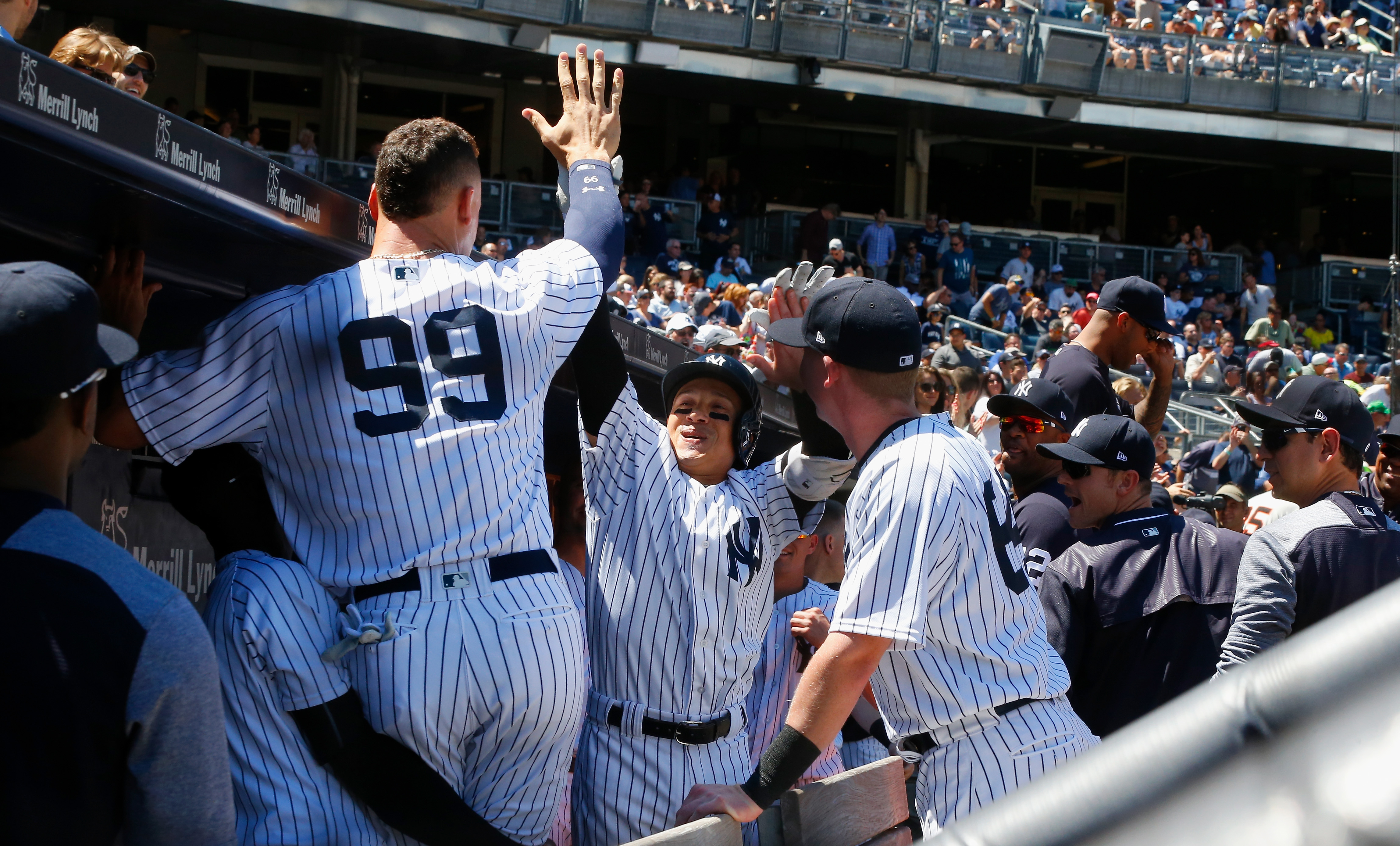 Tigers hold on to beat Yankees